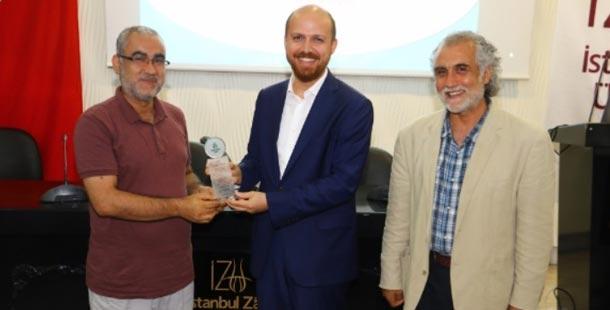 İYV Başkan Vekili Bilal Erdoğan AGP Katılımcılarına Sertifikalarını Takdim Etti